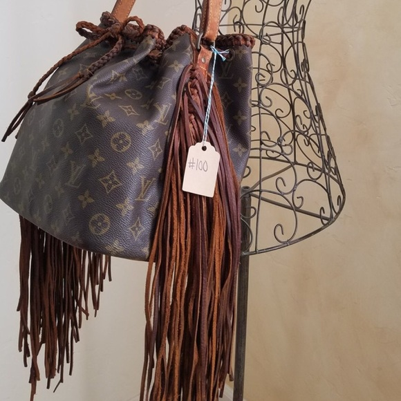 a5d87ef75935c Louis Vuitton Handbags - Louis Vuitton Vintage Boho Bag